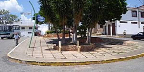 Praça no Alto do Cruzeiro.