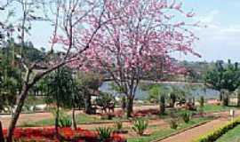 Descalvado - Praça do Lago em Descalvado-Foto:wkoyanagi