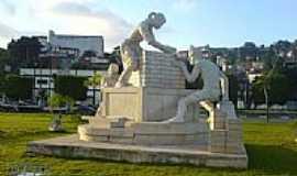 Diadema - Monumento-Foto:Diademense
