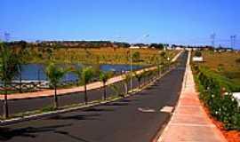 Duartina - Duartina-SP-Avenida em frente ao Eco-Parque Ciro Simão-Foto:Luciano Rizzieri