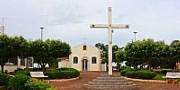 Duplo Céu-SP-Praça e Igreja-Foto:Celso Ortolan