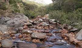 Pedras Altas do Mirim - Pedras Altas do Mirim-BA-Leito do Rio Itapicuru Mirim-Foto:Eiru