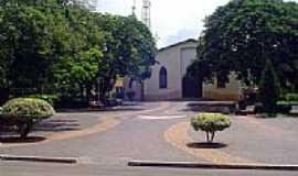 Espírito Santo do Turvo - Praça e Igreja-Foto:Deive Melo