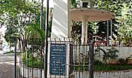 Fartura - Praça 9 de Julho - Monumento em homenagem aos pracinhas farturenses.