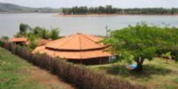 rancho as margens do lago, Por cominetti