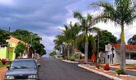 Fernão - Fernão-SP-Avenida Principal-Foto:Luciano Rizzieri