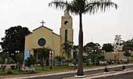Fernão - Praça e Igreja-Foto:gustavo_asciutti