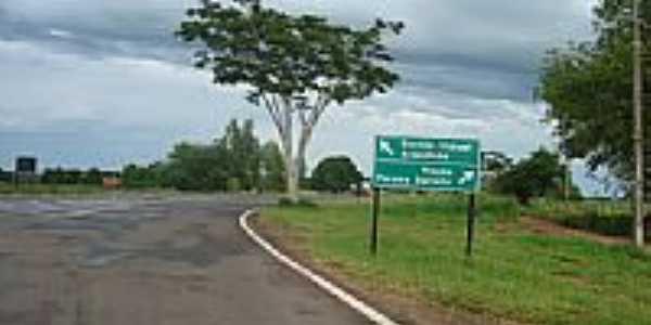 Trevo de entrada-Foto:marcio.nhand