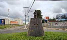 Franca - Franca-SP-Est�tua em homenagem ao sapateiro Francano na Av.dos Sapateiros-Foto:Alexandre Bonacini