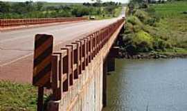 Gardênia - Gardênia-SP-Ponte sobre o Rio Paranapanema-Foto:Netto Monteiro