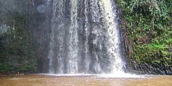 Imagens da cidade de Gavião Peixoto - SP - Cachoeira de São Bernardo