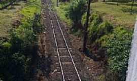 Guaianas - Via férrea em Guaianas-SP-Foto:Lady1880