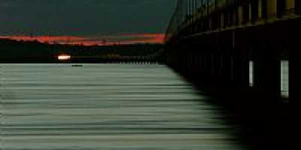 Guaíra-SP-Crepúsculo na Ponte Airton Sena-Foto:Érico Christmann