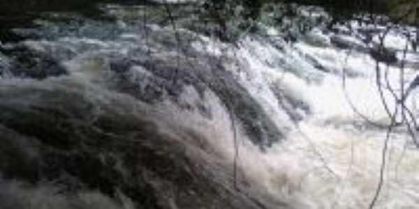 Cachoeira Cristal, Por Paula Gonçalves