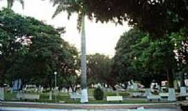 Guaraçaí - Praça-Foto:leostaterra