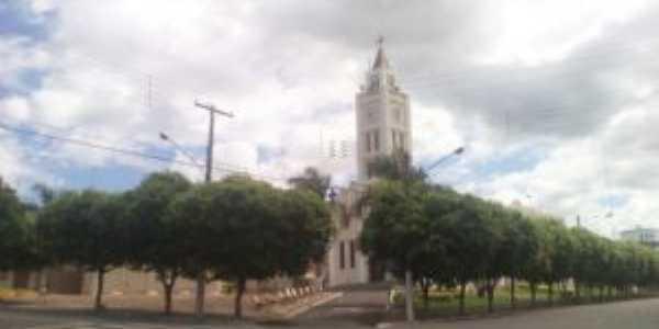 Igreja matriz, Por Jorge Luiz Ferreira
