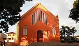 Guarantã - Igreja de Santa Terezinha-Foto:mauricio.mos