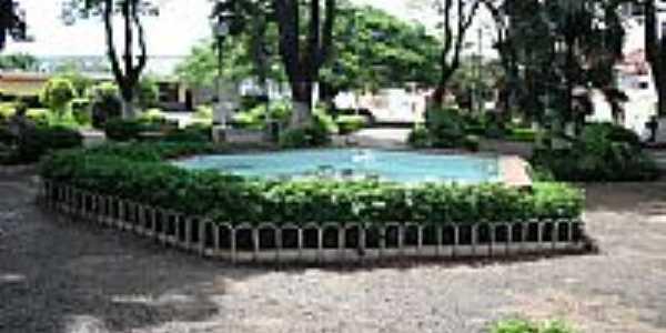 Praça central-Foto:mauricio.mos