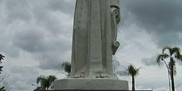 Guaratinguetá-SP-Estátua de Frei Galvão na praça-Foto:Josue Marinho