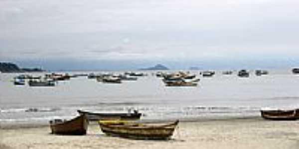 Guarujá-SP-Barcos na Praia de Perequê-Foto:Beatriz Barreto Tane…