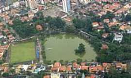 Guarulhos - Guarulhos-SP-Vista aérea do Lago dos Patos na Vila Galvão-Foto:André Bonacin
