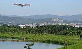 Guarulhos - Lago próximo ao aeroporto de Guarulhos-SP-Foto:André Bonacin