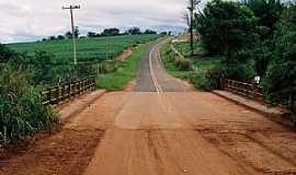 Iacanga - Ponte - Estrada Vicinal Marilândia À Iacanga SP.  - Por Zekinha