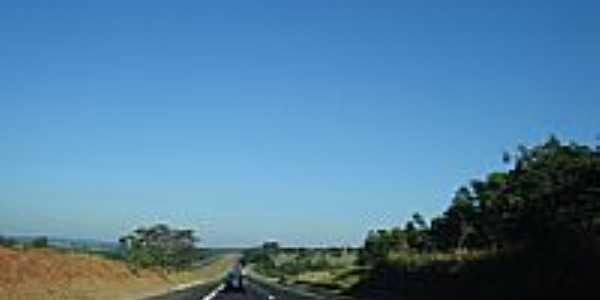 Rodovia Castelo Branco-Iaras-Foto:Jadeon Basilio de Fr…