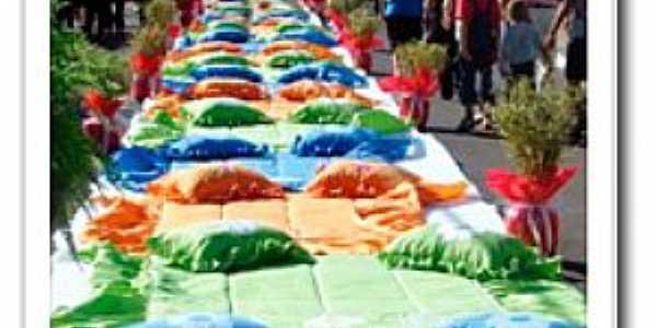 Ibitinga-SP-Feira do Bordado na rua-Foto:luamptransportes.com.br