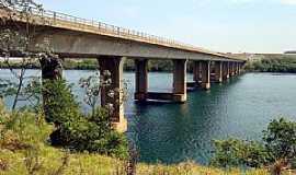 Igarapava - Igarapava-SP-Ponte sobre o Rio Grande-Foto:EUS