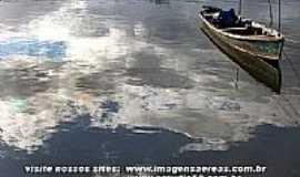 Ilha Diana - Ilha Diana-SP-Barco de pescador-Foto:www.imagensaereas.com.br