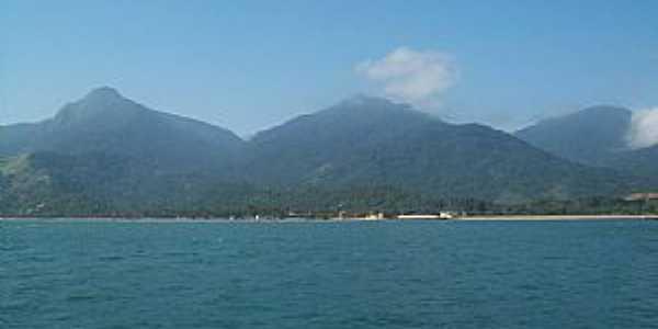 Ilhabela-SP-Balsa chegando na ilha-Foto:Josue Marinho