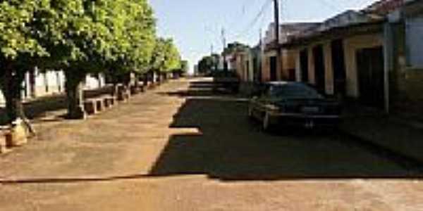 Rua de Indaiá-Foto:Neinho Mangeon