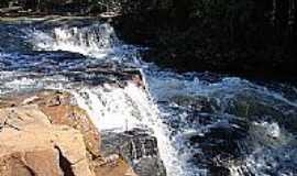 Indiaporã - Cachoeira-Foto:ROBERTO MENDES DA SI…