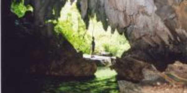 caverna Água Suja, Por  Agnaldo