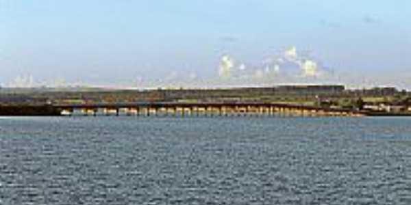 Ponte Carvalho Pinto sobre SP-255