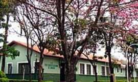 Itaju - Escola Prof.Erasto Castanho de Andrade-Foto:© Savio Gomes, Itaju…