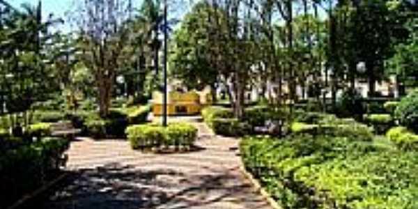 Praça Dr.Norberto Oréfice-Foto:© Savio Gomes, Itaju…