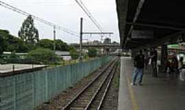 Itapevi - Plataforma da Estação Ferroviária de  Itapevi-SP-Foto:adilson.ball