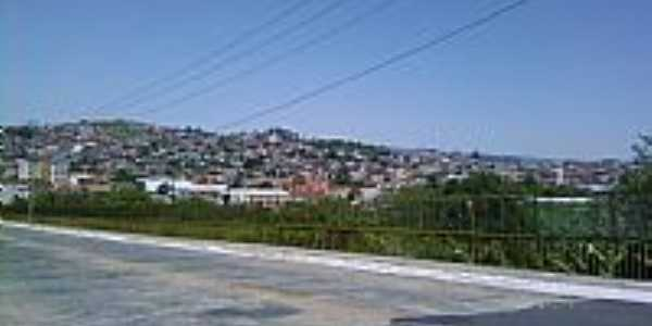 Itapira-SP-Viaduto Tiradentes e ao fundo Vila Ilzi-Foto:J Oliveira