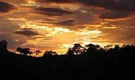 Itatiba - Pôr do Sol no Recreio Costa Verde em Itatiba-SP-Foto:RicardoHossoe