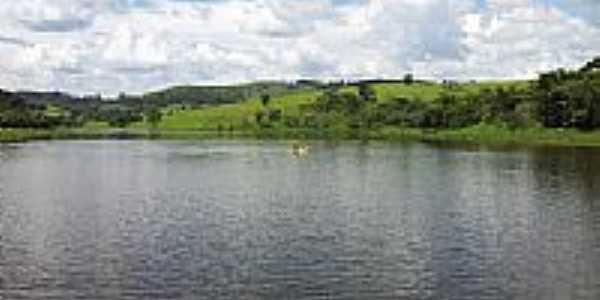 Lago do Jardim Leonor em Itatiba-SP-Foto:Stephan Alexander Ri…
