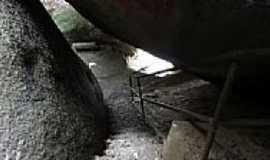Itu - Interior da Gruta Escalada da Glória na estrada Parque em Itu-SP-Foto:Marcelo Brolo