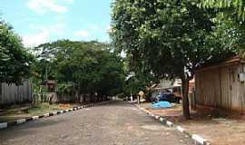 Iubatinga - Iubatinga-SP-Rua do distrito-Foto:Lucas Souza RF