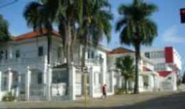 Jaboticabal - residencia, Por Marina Vasques Blasques Alves marinavb_alves @hotmail.com