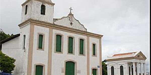 Pirajá-BA-Igreja de São Bartolomeu e ao lado o Panteão de Labatut-Foto:www.igrejas-bahia.com