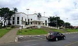 Jaguariúna - Nova Igreja Matriz de Jaguariana-Foto:Isack Ryuji Minowa