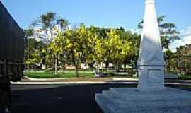 Jardinópolis - Oelisco Praça João Guimarães por Suzi