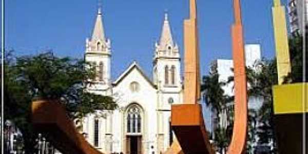 Jundiaí-SP-Praça e Catedral de N.Sra.do Desterro-Foto:pt.db-city.com