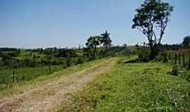 Juquiratiba - Estrada de terra-Foto:carlos.kardoso